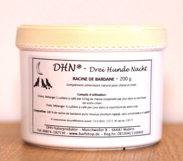 Pot de racines de Bardane. Utilisé pour le traitement de la peau.