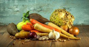 Legumes-pour-chien-regroupes-sur-table